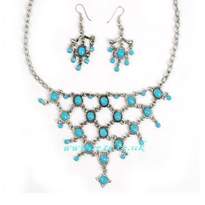 Turqoise necklace and earring set, (jnn22)